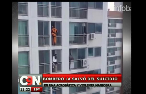 Bombero la salvó del suicidio