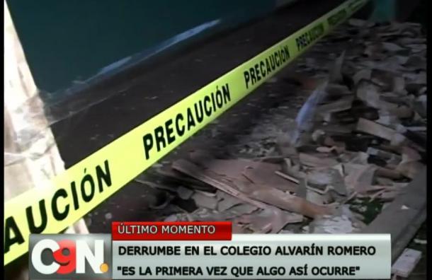 Cae parte del techo en el Colegio Alvarín Romero del barrio Recoleta