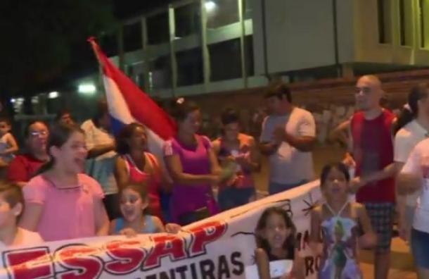 Vecinos de Barrio Obrero se manifiestan por falta de agua