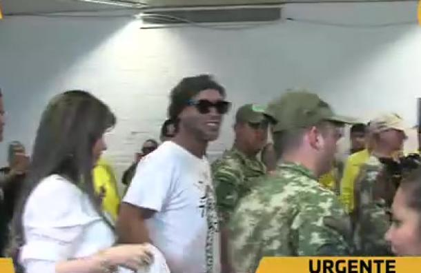 ¡Ronaldinho Gaúcho  ya está en Paraguay!