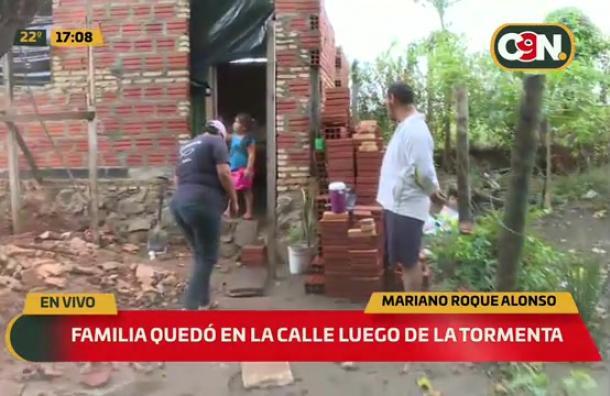 Familia queda en la calle luego de la tormenta