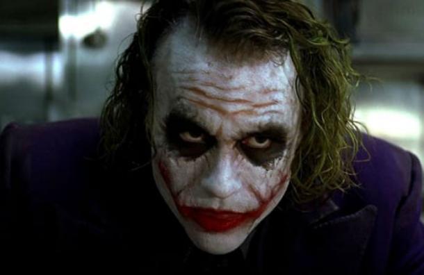 La peculiar razón por la que «El Guasón» de Heath Ledger se lamía tanto los labios