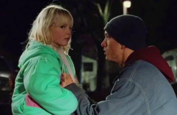¿Recuerdas a la niña que actuaba con Eminem en 8 Millas? Tiene 21 años y así luce